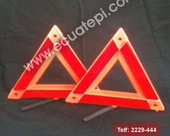 Láminas de señalización:  >Triángulos día y noche